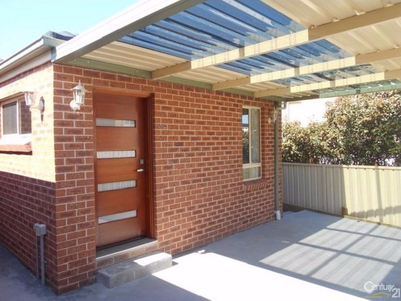 Semi-Detached for Rent in Horningsea Park NSW 2171