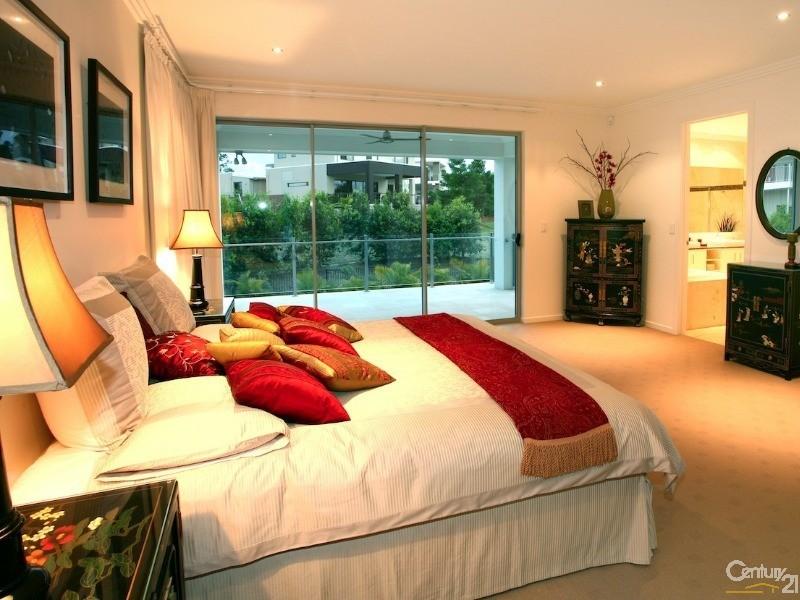 Duplex for Sale in Benowa QLD 4217
