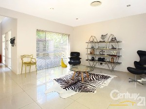 CENTURY 21 Central GC Property of the week