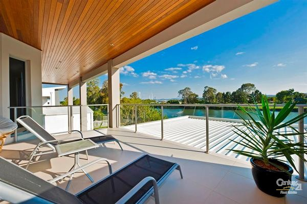 4002 The Boulevarde, Benowa - House for Sale in Benowa