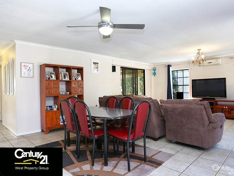 24 Valiant Crescent, Strathpine - House for Sale in Strathpine