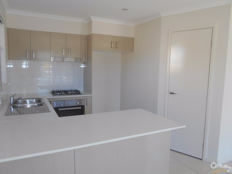 1/48 Mint Crescent, Griffin - Duplex for Rent in Griffin