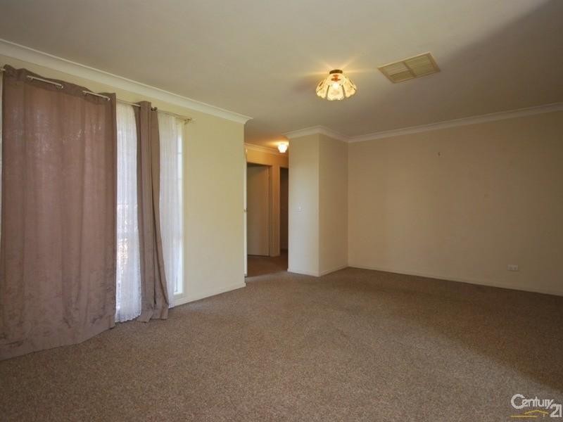 196 Cobra Street, Dubbo - House for Rent in Dubbo