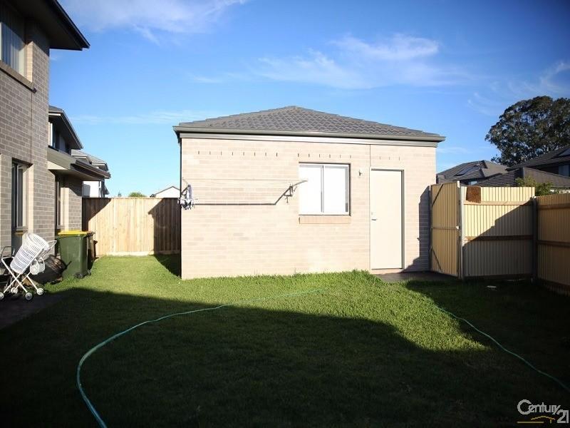 5 Treacy Street, Middleton Grange - House for Rent in Middleton Grange
