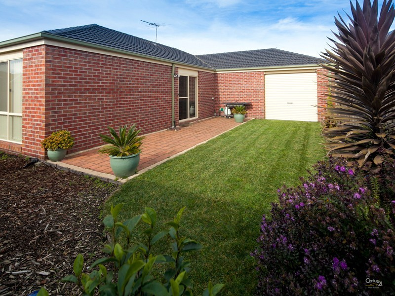 49 Sandalwood Drive, Pakenham - House for Sale in Pakenham