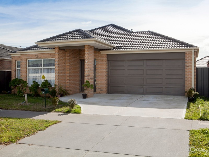 31 Everly Circuit, Pakenham - House for Sale in Pakenham