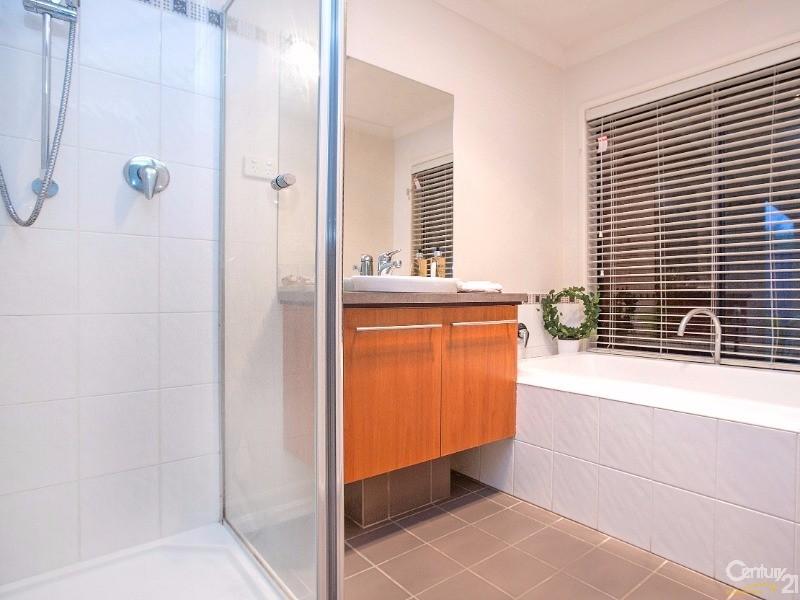 3 Banksia Grove, Pakenham - House for Sale in Pakenham