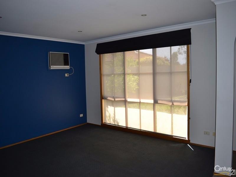 5 Anita Place, Pakenham - House for Rent in Pakenham