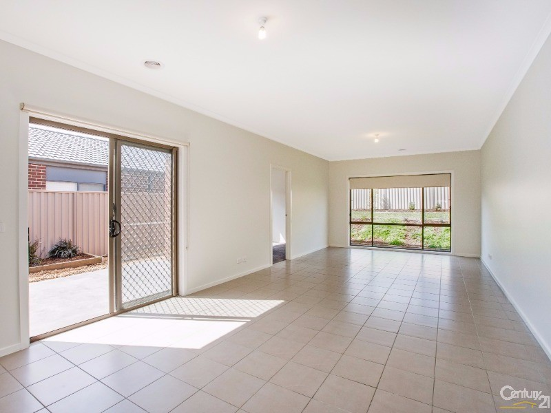 9 Quirk Road, Pakenham - House for Sale in Pakenham