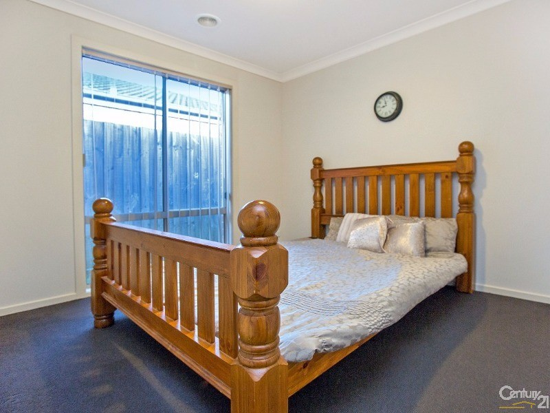 34 Wakenshaw Crescent, Pakenham - House for Sale in Pakenham