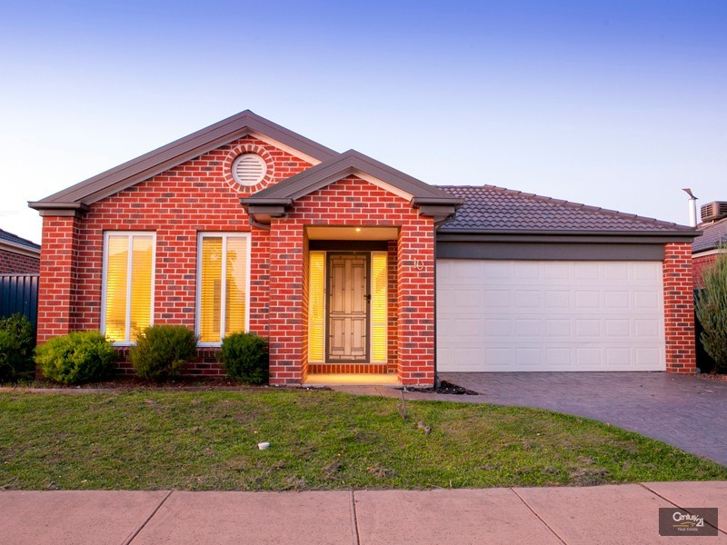 10 Banksia Grove, Pakenham - House for Sale in Pakenham