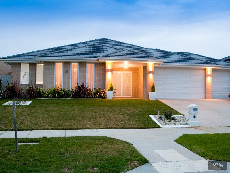 36 McGarvie Crescent, Pakenham - House for Sale in Pakenham