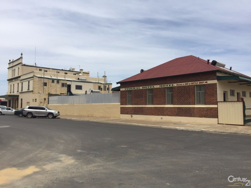 111 Clive Street, Katanning - Hotel/Leisure Commercial Property for Sale in Katanning
