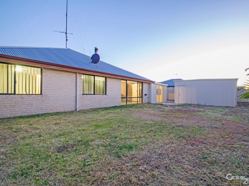 15 Cleveland Bay Avenue, Eaton - House for Sale in Eaton