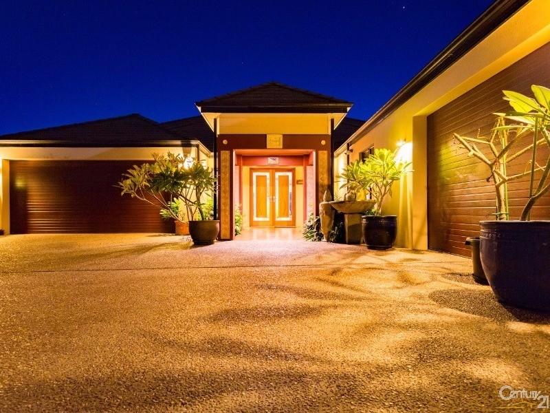9 Portofino Crescent, Pelican Point - House for Sale in Pelican Point