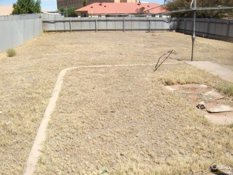 18 Fullerton Crescent, Port Augusta - House for Rent in Port Augusta