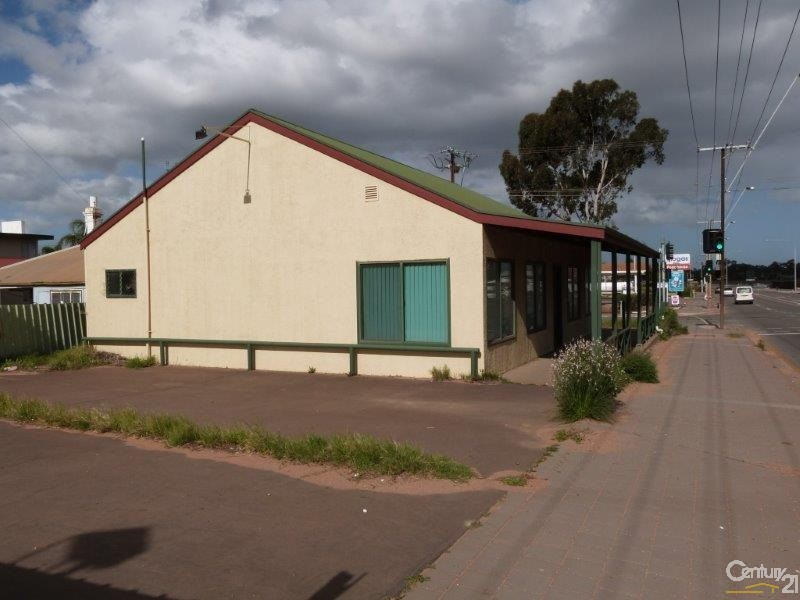 6 Eyre Highway, Port Augusta West - House for Sale in Port Augusta West