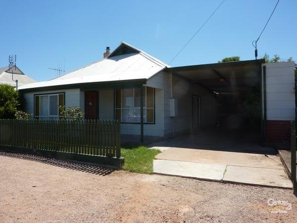 21 Flinders Street, Port Augusta - House for Rent in Port Augusta