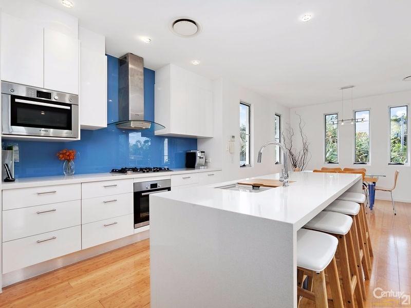 Sleek modern island kitchen - 16 Ross Crescent, Sunshine Beach - House for Sale in Sunshine Beach