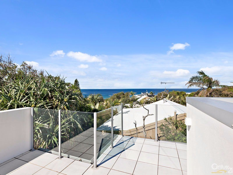 Whale watching roof deck - 16 Ross Crescent, Sunshine Beach - House for Sale in Sunshine Beach