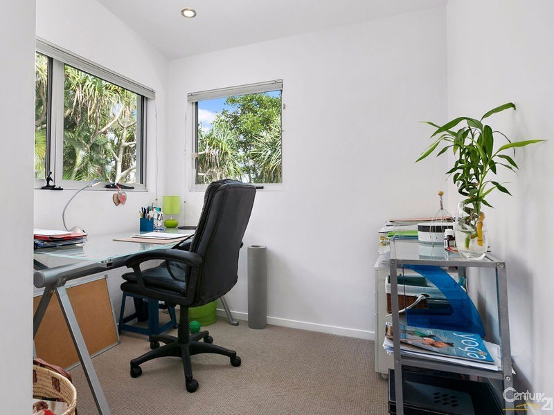 Private office or nursery off main bedroom - 16 Ross Crescent, Sunshine Beach - House for Sale in Sunshine Beach