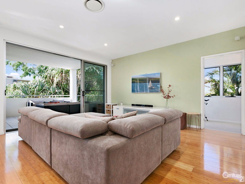 Light & airy open plan living - 16 Ross Crescent, Sunshine Beach - House for Sale in Sunshine Beach
