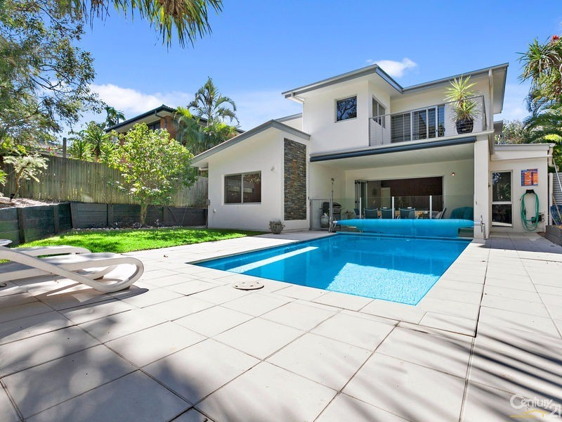 Landscaped grounds with fully fenced swimming pool - 16 Ross Crescent, Sunshine Beach - House for Sale in Sunshine Beach