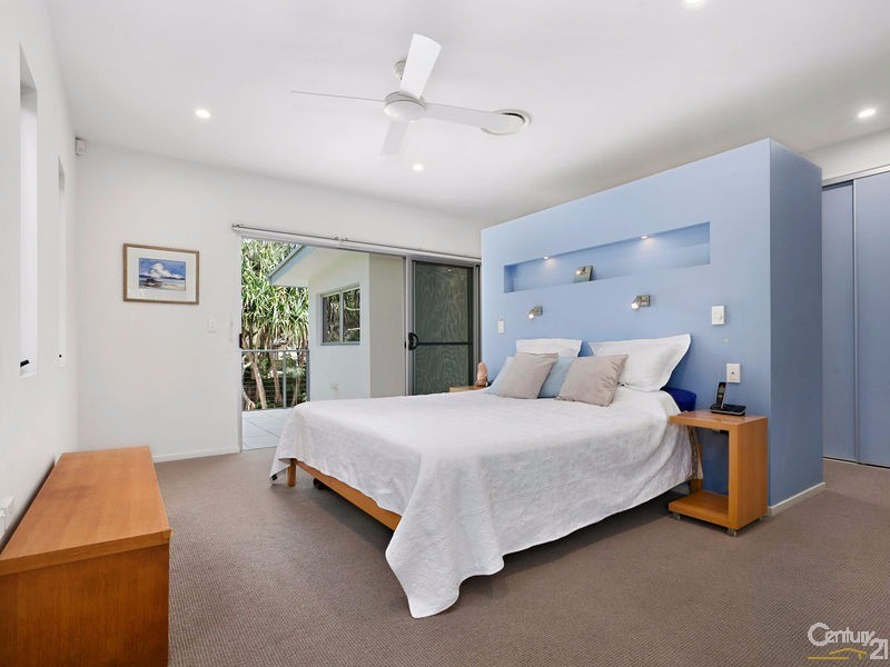Main bedroom suite with private sun terrace - 16 Ross Crescent, Sunshine Beach - House for Sale in Sunshine Beach