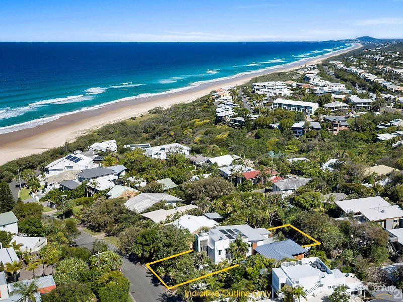 Footsteps to the sand - 16 Ross Crescent, Sunshine Beach - House for Sale in Sunshine Beach