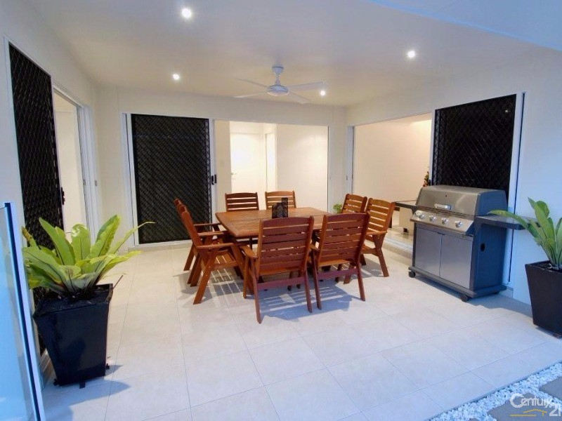 10 Peachtree Crescent, Peregian Springs - House for Sale in Peregian Springs