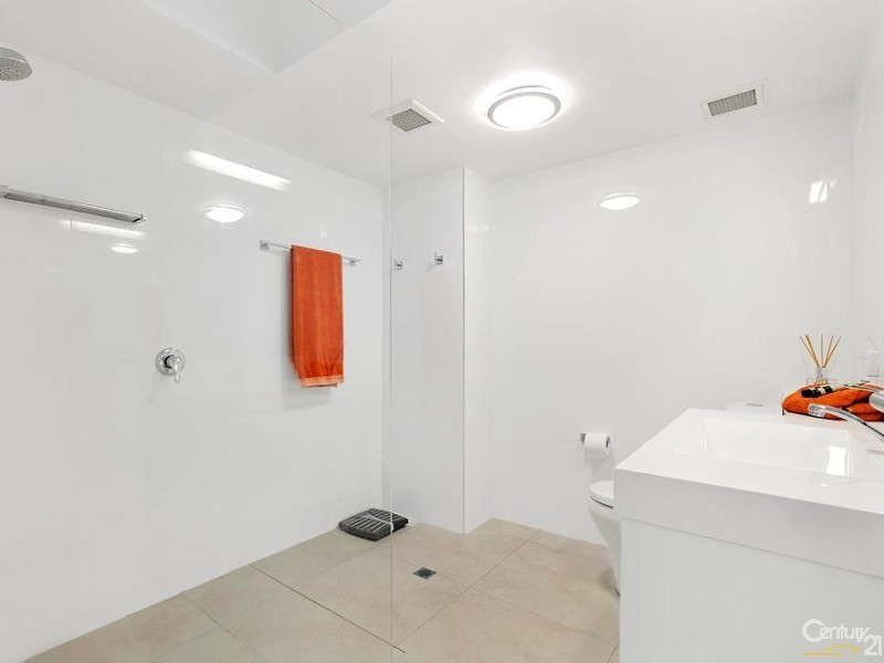 Family Bathroom - 5/28 Viewland Drive, Noosa Heads - Apartment for Sale in Noosa Heads