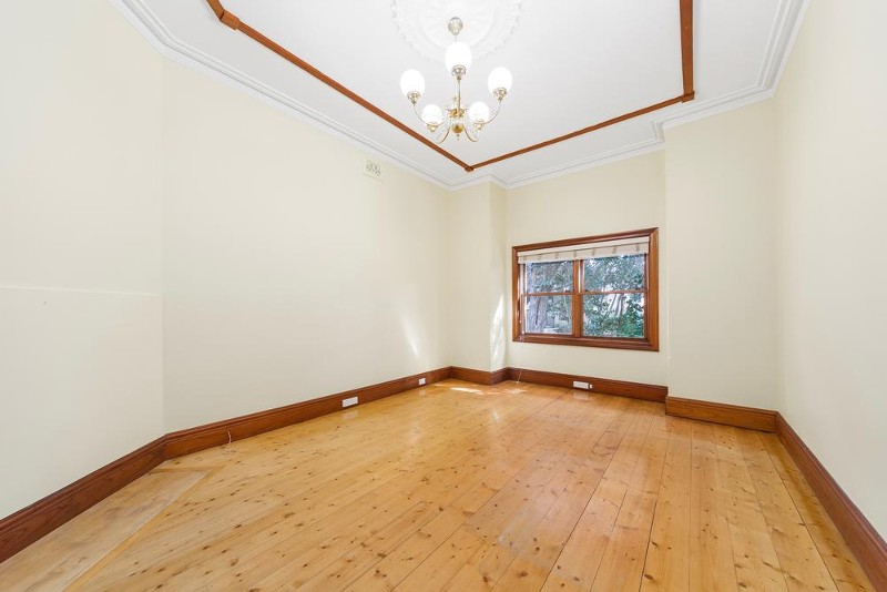 166 Newland Street, Queens Park - House for Rent in Queens Park
