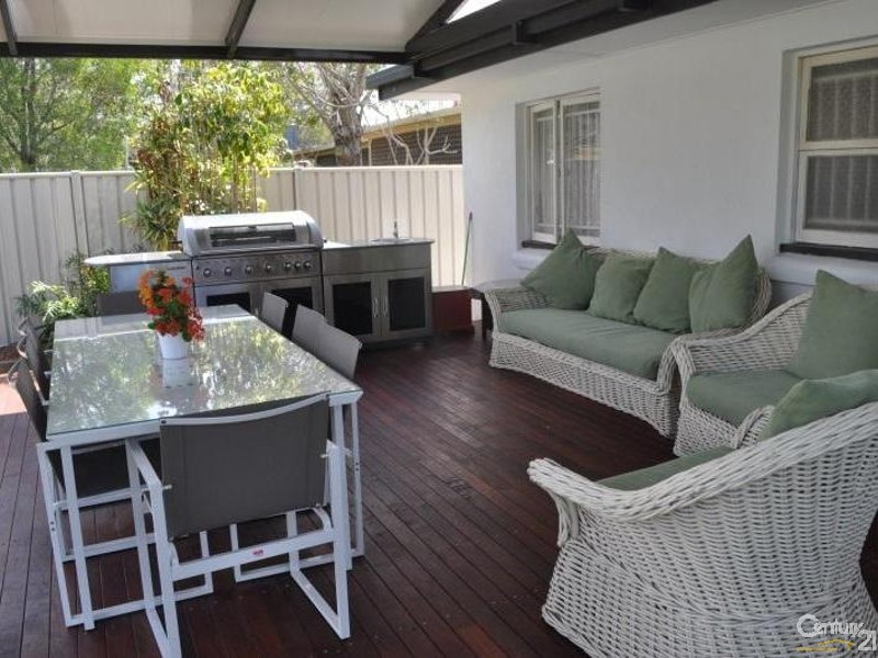 15 Greenup Street, Redcliffe - Holiday House Rental in Redcliffe