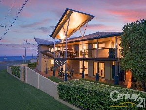 CENTURY 21 Maddies Hermans Property of the week