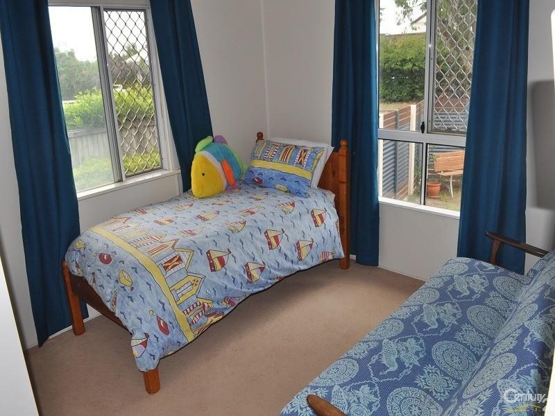 1/151 Prince Edward Parade, Scarborough - Holiday House Rental in Scarborough