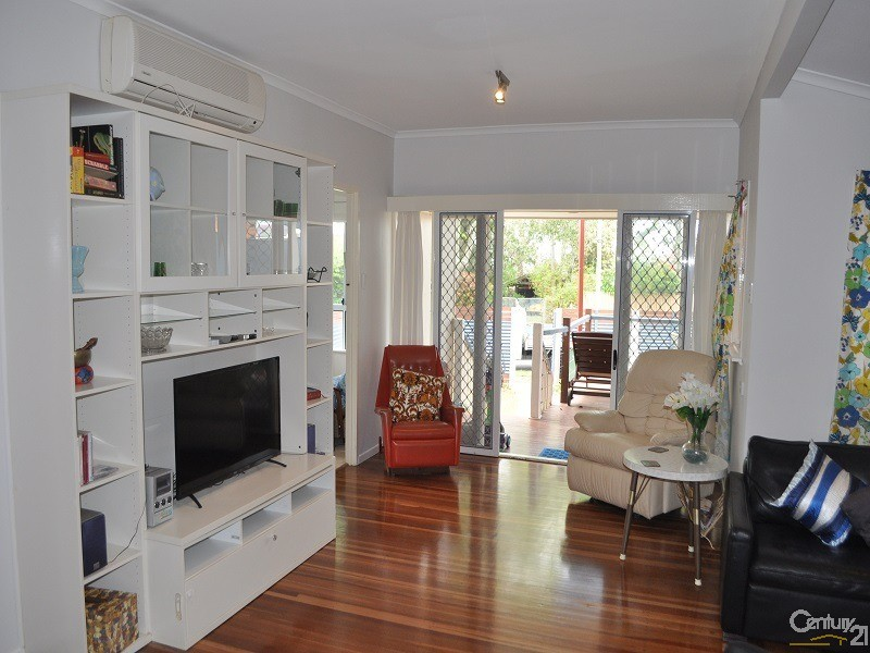 1/151 Prince Edward Parade, Scarborough - Holiday House Rental in Scarborough