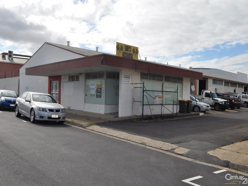 6 Gomersall Street, Redcliffe - Industrial Property for Lease in Redcliffe