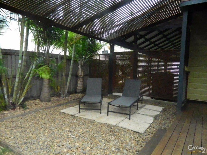 2 Bank Street, Redcliffe - Holiday House Rental in Redcliffe