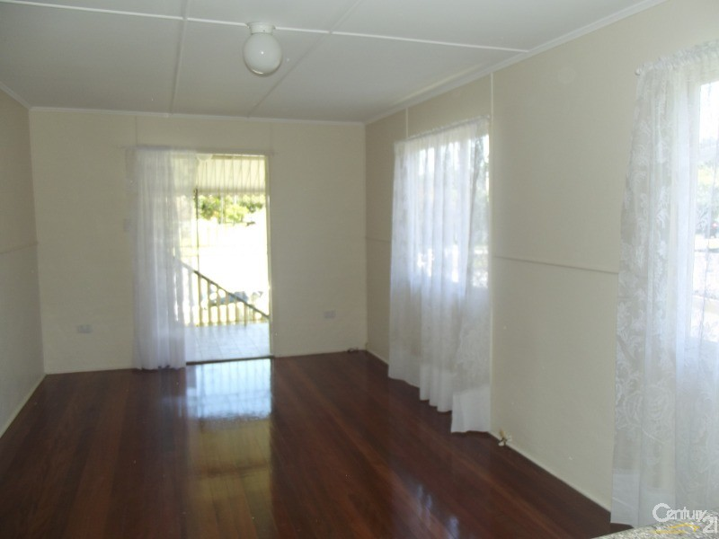44 John Street, Redcliffe - House for Rent in Redcliffe