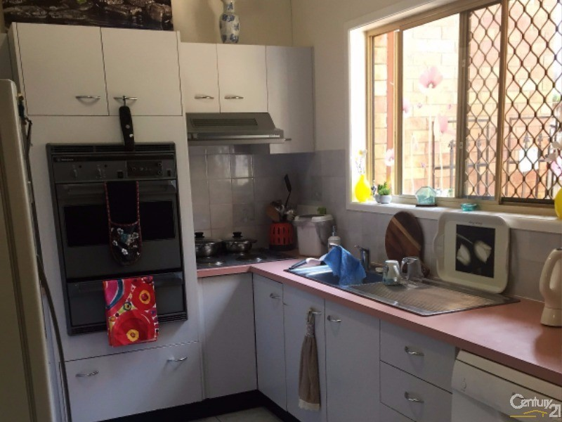 Holiday Townhouse Rental in Redcliffe QLD 4020
