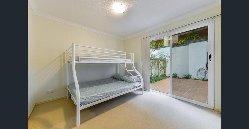 Holiday Apartment Rental in Redcliffe QLD 4020