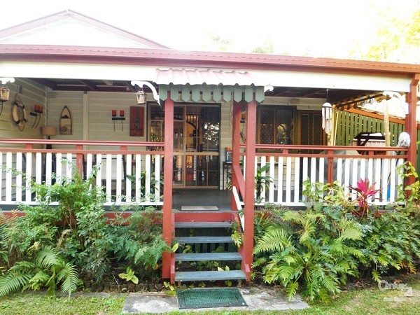 54 Bayview Terrace, Deception Bay - Holiday House Rental in Deception Bay
