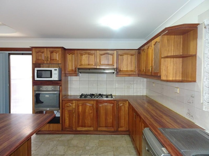 10 GLENLEA St, Canley Heights - House for Rent in Canley Heights