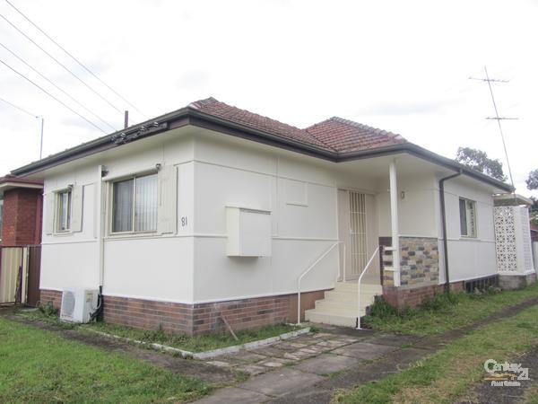 81 Derria Street, Canley Heights - House for Rent in Canley Heights