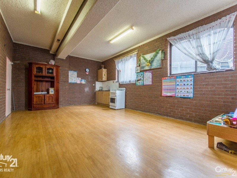 Family lounge Ground Floor - 157 Darebin Blvd, Reservoir - House for Sale in Reservoir