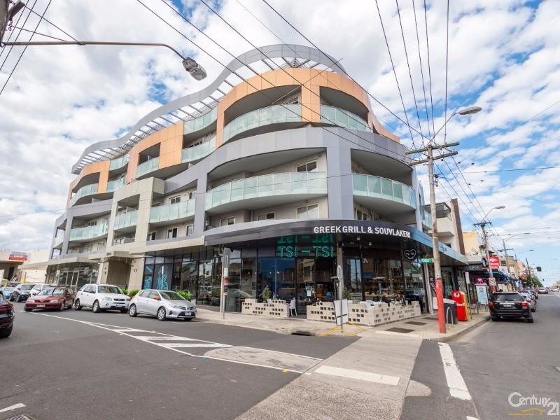 17 Robbs Parade, Northcote - Apartment for Sale in Northcote