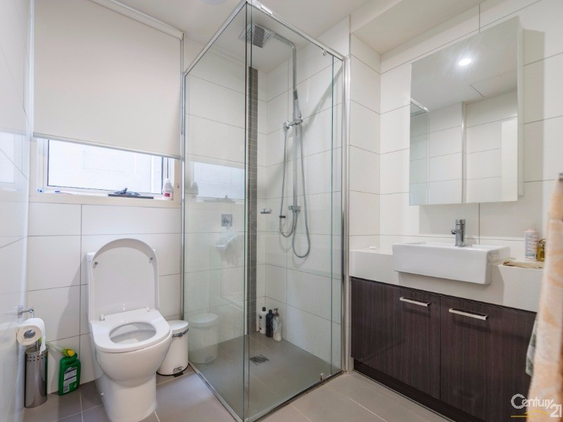108 Bathroom - 17 Robbs Parade, Northcote - Apartment for Sale in Northcote