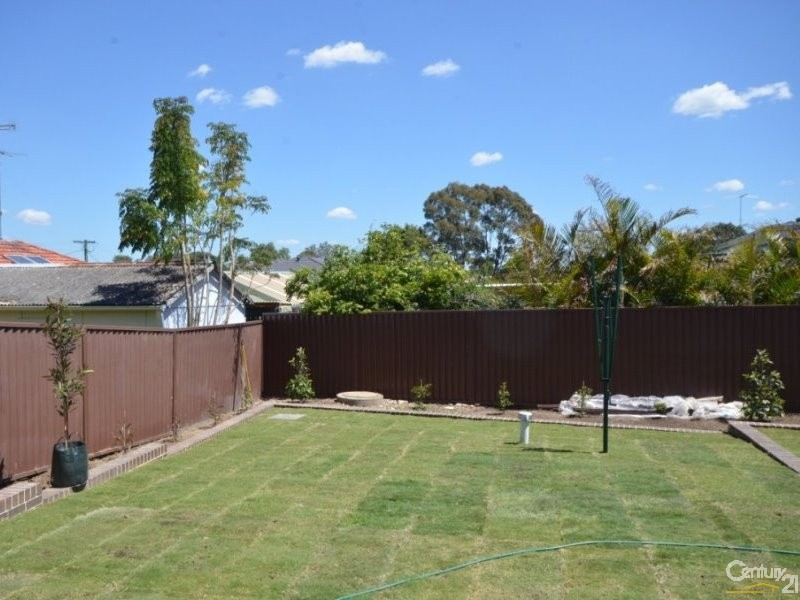 82 Bungaree Road, Toongabbie - Duplex for Sale in Toongabbie