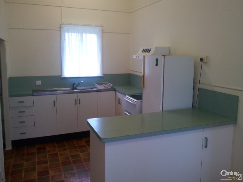 Spacious kitchen - 17 Brisbane Street, Bowen - House for Sale in Bowen
