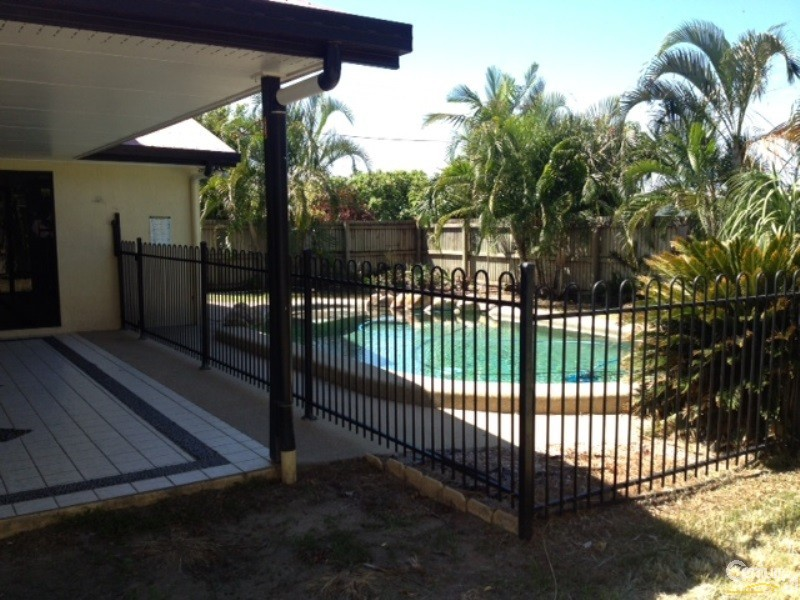 Pool - 10 Peters Place, Bowen - House for Sale in Bowen